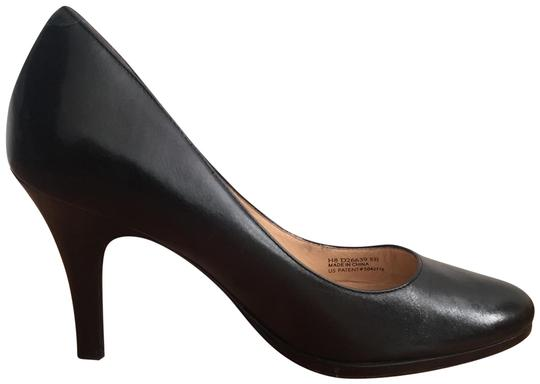 Preload https://img-static.tradesy.com/item/24807589/cole-haan-black-classic-leather-with-nike-air-comfort-pumps-size-us-8-regular-m-b-0-1-540-540.jpg