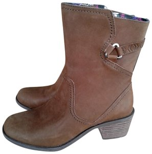93dd2694d781d8 Teva Boots   Booties - Up to 90% off at Tradesy
