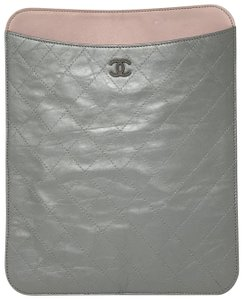 Chanel CHANEL Brilliant Silver quilted leather iPad Case