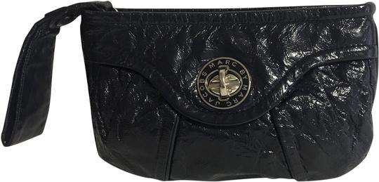 Preload https://img-static.tradesy.com/item/24807848/marc-by-marc-jacobs-navy-blue-leather-clutch-0-1-540-540.jpg
