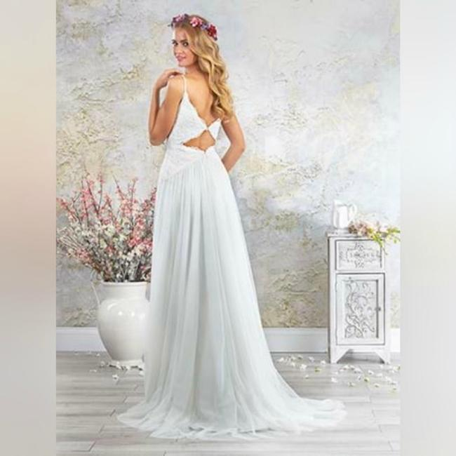 Alfred Angelo Ivory Romantic Gown with Inverted Basque Waist - Style 5001 Destination Wedding Dress Size 10 (M) Alfred Angelo Ivory Romantic Gown with Inverted Basque Waist - Style 5001 Destination Wedding Dress Size 10 (M) Image 1