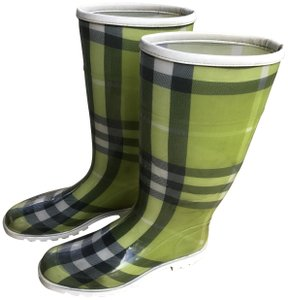 Burberry Check Made In Italy Round Toe Excellent Sole Pull On's Light, Med., Dark Green Boots