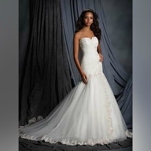 Alfred Angelo Ivory/Rose Sweetheart Neckline Bridal with Dropped Waist - Style 2507 Formal Wedding Dress Size 8 (M)