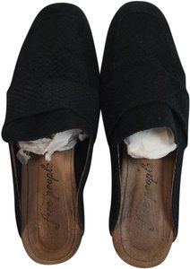 Free People black Mules