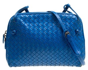 1af6aa93c60d Blue Bottega Veneta Bags - Up to 90% off at Tradesy