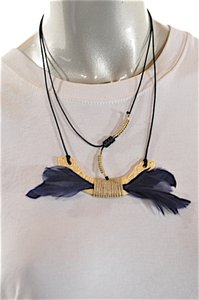 Dolce of Telluride CO DOLCE of Telluride Carved Bone Feather Pendent Necklace + Hoop Earring