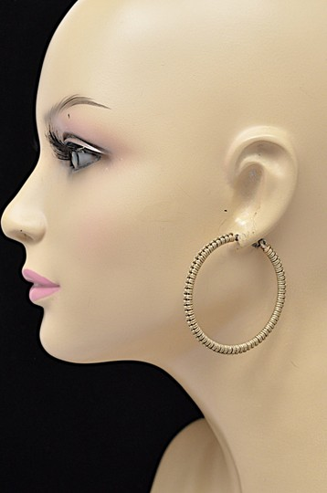 Dolce of Telluride CO DOLCE of Telluride Carved Bone Feather Pendent Necklace + Hoop Earring Image 8