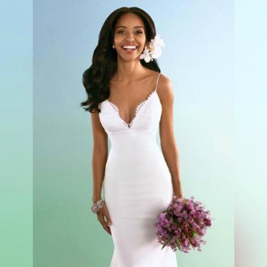 Alfred Angelo Ivory With Alenon Lace Bodice - Style 601 Destination Wedding Dress Size 4 (S) Image 1