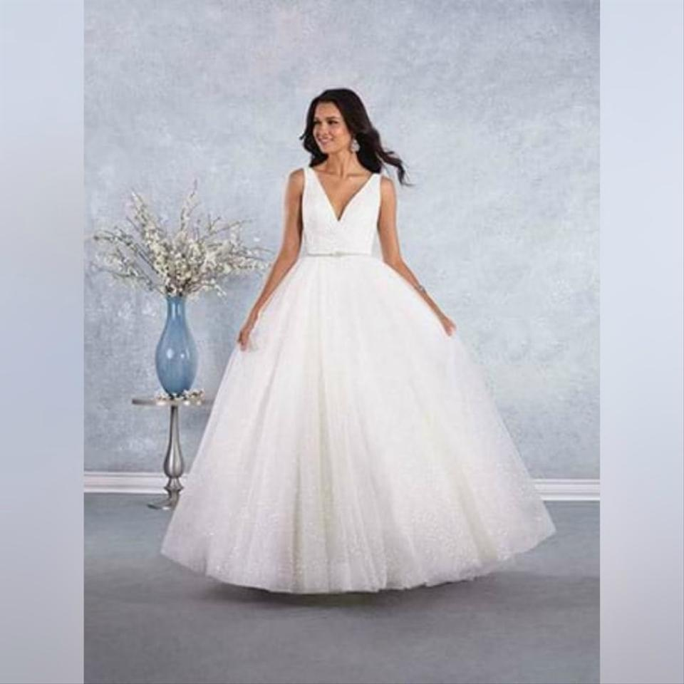 Alfred Angelo Style 205 Cinderella Size 10 Wedding Dress: Alfred Angelo Ivory Classic With Plunging Neckline