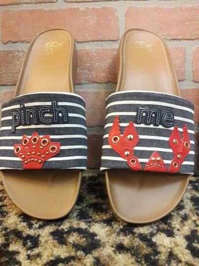 Cole Haan Lobster Fest Hamptons Summer Pinch Me Crab Red, White, Blue Sandals Image 4