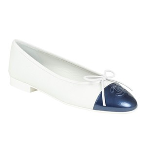 Chanel Pebbled Round Toe Metallic Bow Leather White Flats