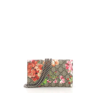 01c8ba0a0 Gucci Chain Wallet Blooms Print Gg Coated Multicolor Canvas Clutch ...