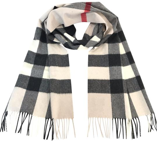 Preload https://img-static.tradesy.com/item/24813006/burberry-stone-check-the-large-classic-cashmere-in-scarfwrap-0-1-540-540.jpg