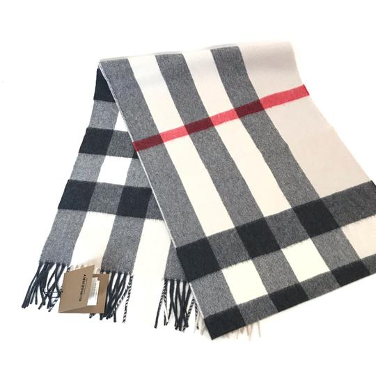 Burberry The Large Classic Cashmere Scarf in Mega Check Image 3