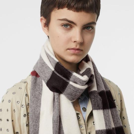 Burberry The Large Classic Cashmere Scarf in Mega Check Image 6