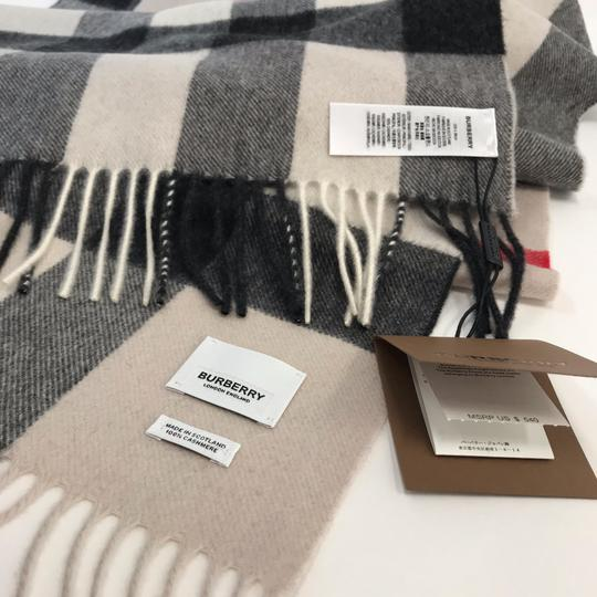 Burberry The Large Classic Cashmere Scarf in Mega Check Image 8