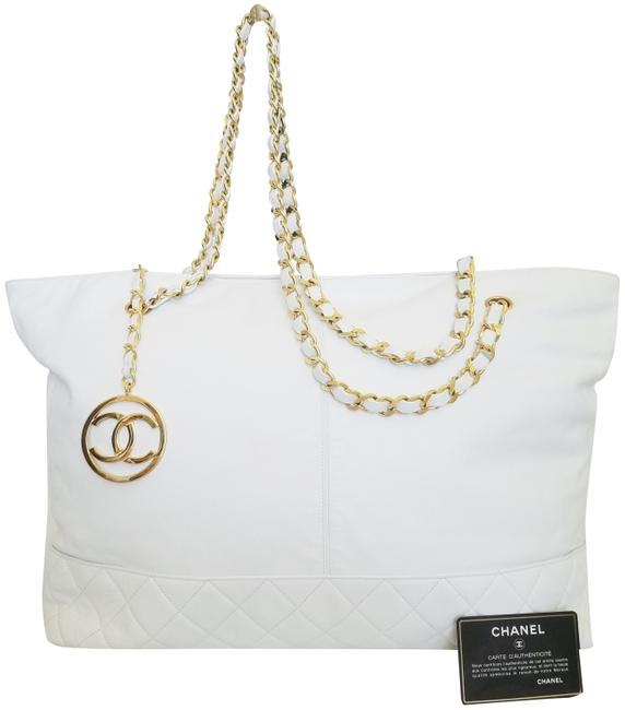 Item - Timeless XL Great Conditions Gold Chain White Lambskin Leather Tote