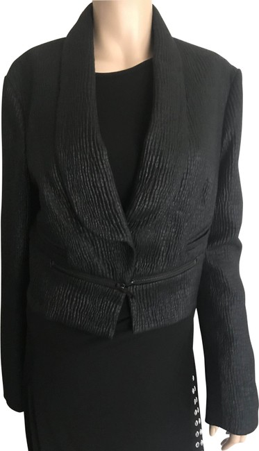 Item - Black Short Jacket Blazer Size 12 (L)