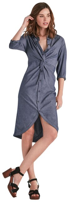 Preload https://img-static.tradesy.com/item/24813508/lucky-brand-chambray-twist-button-down-shift-mid-length-workoffice-dress-size-2-xs-0-2-650-650.jpg