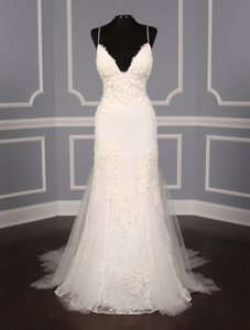 Amsale Ivory Lace and Tulle Kalei M670 Formal Wedding Dress Size 8 (M)