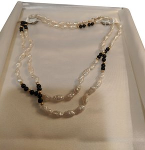 Becker's Freshwater rice pearls with onyx and gold beads