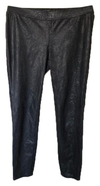 Preload https://img-static.tradesy.com/item/24814412/black-faux-leather-snakeskin-pull-on-euc-pants-size-4-s-27-0-1-650-650.jpg