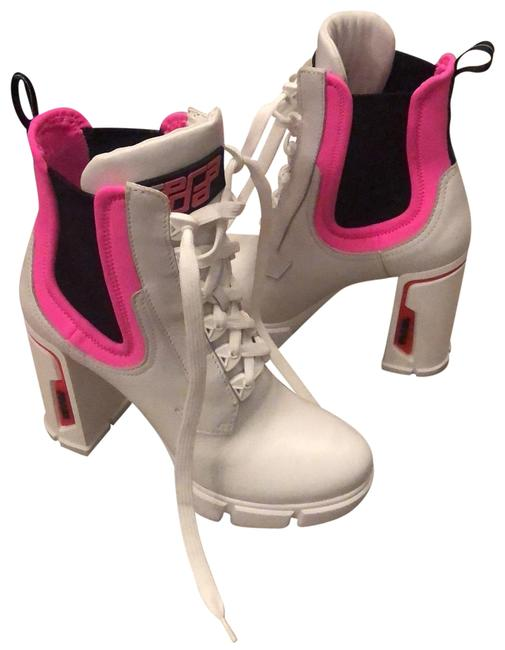 Item - White Boots/Booties Size EU 39 (Approx. US 9) Narrow (Aa, N)