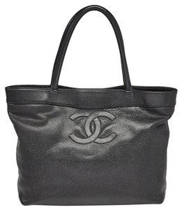 Chanel Gold Hardware Interlocking Cc Caviar Logo Oversized Tote in Black