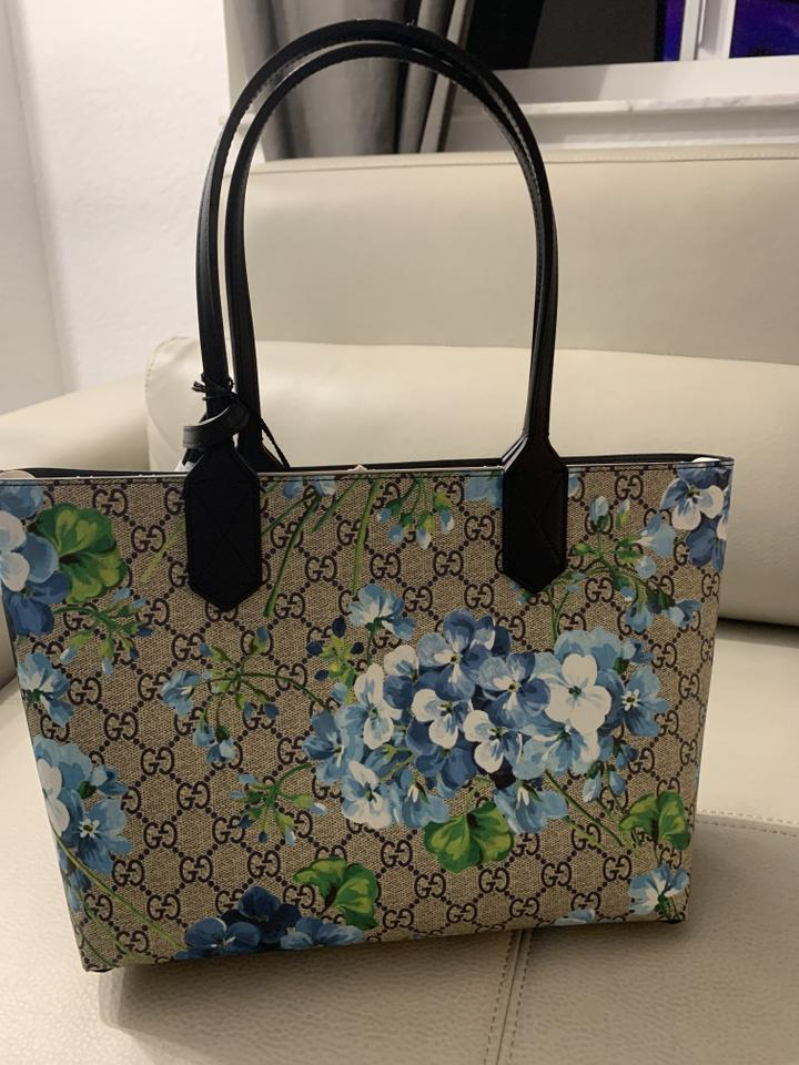 1fbbb6d4d2ff Gucci Reversible Small Bloom Beige Blue Gg Coated Canvas T Beige ...
