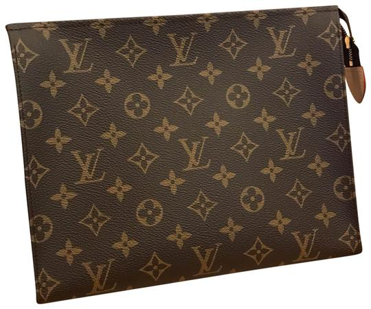 Preload https://img-static.tradesy.com/item/24820649/louis-vuitton-2019-toiletry-pouch-26-made-in-france-brown-coated-canvas-clutch-0-1-540-540.jpg