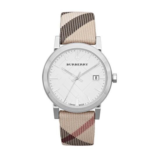 Preload https://img-static.tradesy.com/item/24821189/burberry-beigesilver-bu9022-heritage-nova-check-nylon-and-leather-watch-0-0-540-540.jpg