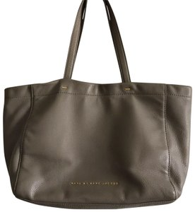 Marc Jacobs Tote in Grey