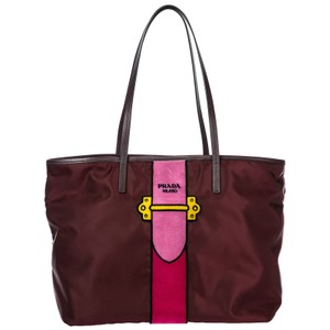 e367372dd857 Red Prada Bags - Up to 90% off at Tradesy (Page 3)