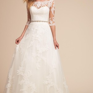 Pronovias Ivory Tulle Lace and Thread Embroidery Formal Wedding Dress Size 4 (S)