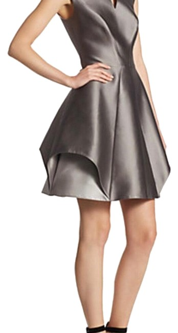 Item - Silver & Grey Hertage Cap Sleave Mid-length Cocktail Dress Size 12 (L)