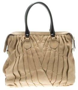 d0ed605c3d26 Valentino Bags on Sale - Up to 70% off at Tradesy