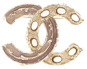 Chanel Rare CC pearls and enamel gold textured Hardware Brooch Pin