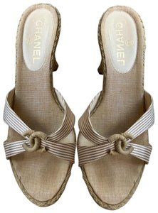fd51bf41d6b Chanel Sandals - Up to 90% off at Tradesy