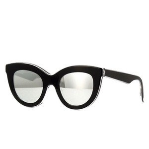 81478f15f Victoria Beckham VBS103 Thick Acetate Cate Eye with Silver Mirrored Lenses
