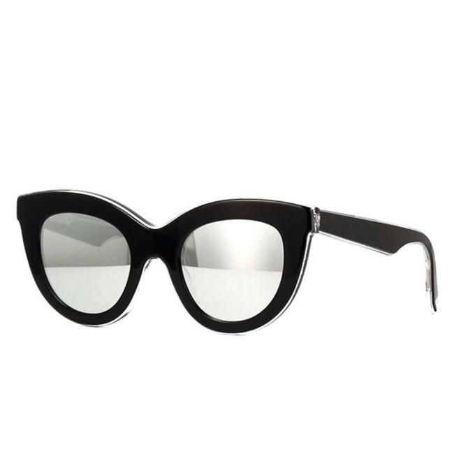 Victoria Beckham Black C10 Vbs103 Thick Acetate Cate Eye with Silver Mirrored Lenses Sunglasses Victoria Beckham Black C10 Vbs103 Thick Acetate Cate Eye with Silver Mirrored Lenses Sunglasses Image 1