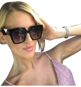 9ba37a2d69d Women s Sunglasses - Up to 70% off at Tradesy (Page 208)