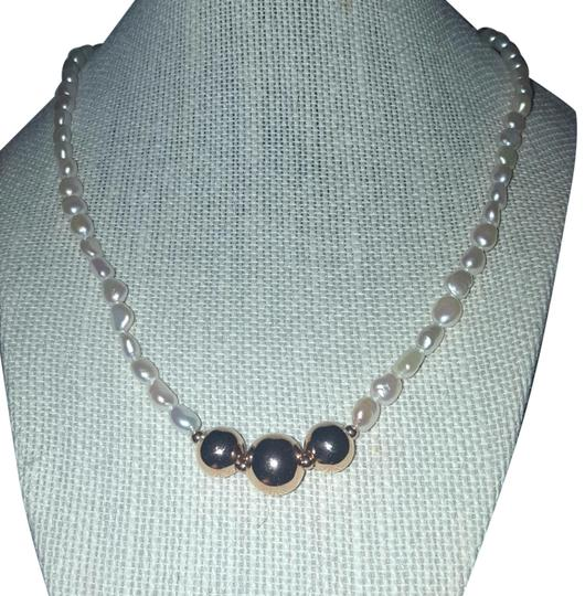 Preload https://img-static.tradesy.com/item/24828940/honora-white-and-gold-new-20-italy-tagged-pearl-necklace-0-4-540-540.jpg