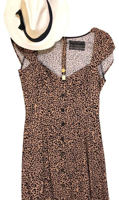 Preload https://img-static.tradesy.com/item/24829172/reformation-leopard-short-casual-dress-size-4-s-0-1-650-650.jpg