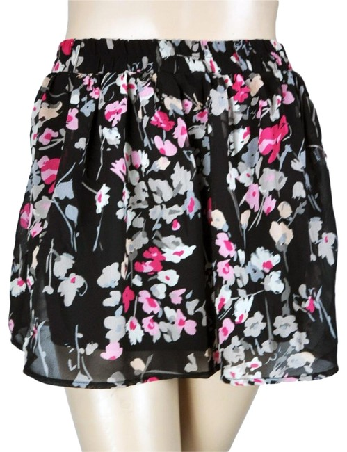 Preload https://img-static.tradesy.com/item/24829973/wet-seal-black-red-white-floral-gathered-a-line-circle-skirt-size-2-xs-26-0-1-650-650.jpg