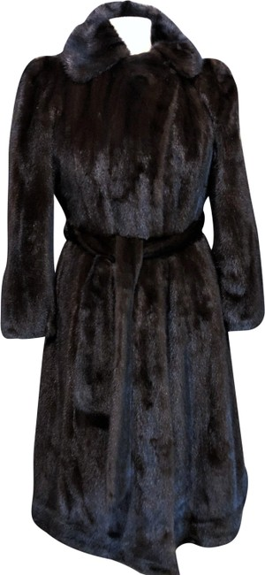 Preload https://img-static.tradesy.com/item/24830066/dark-mahogany-brown-holt-renfrew-mink-long-coat-size-6-s-0-1-650-650.jpg