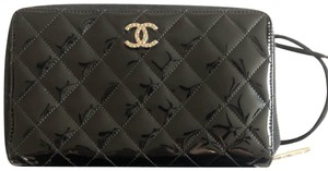 Chanel Patent leather quilted organizer / wallet