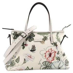 Gucci Flora Collection Bags - Up to 70% off at Tradesy 920fe134cf6c0