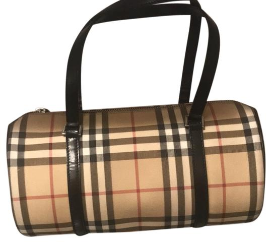 Preload https://img-static.tradesy.com/item/24832981/burberry-london-vintage-barrel-hamdbag-nova-check-with-black-leather-handles-tote-0-1-540-540.jpg