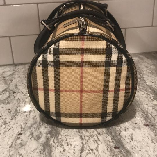 Burberry London Tote in nova check with black leather handles Image 2
