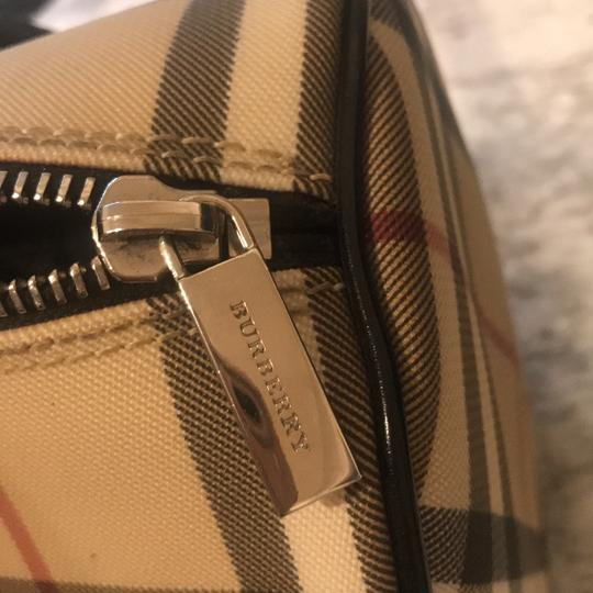 Burberry London Tote in nova check with black leather handles Image 5